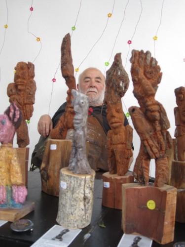 sculptures, paris Bastille, pin d'Alep...